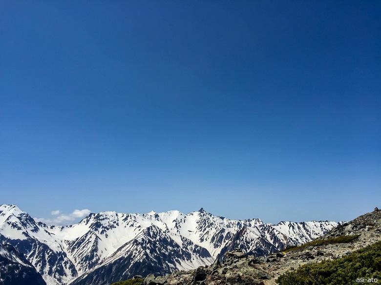 蝶ヶ岳から見る北穂高から槍ヶ岳