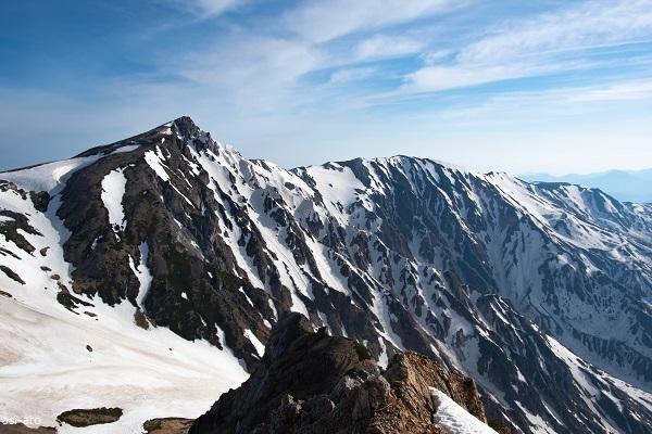杓子岳からの白馬岳と小蓮華山